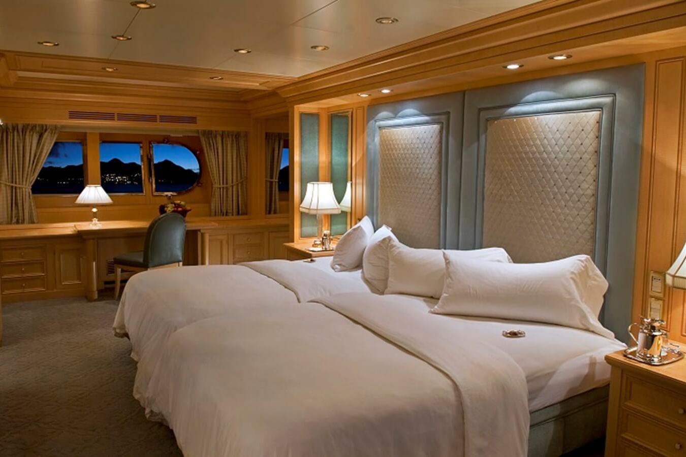 6 Master suite evening