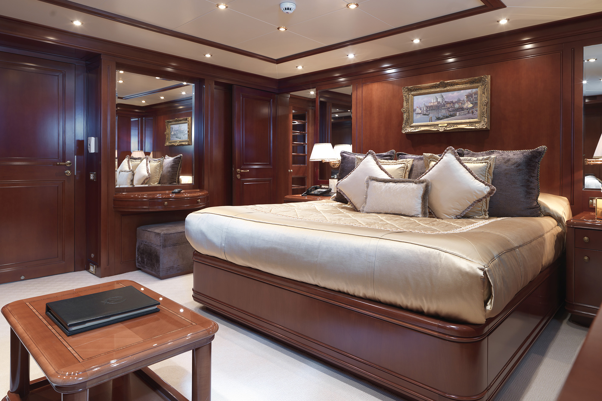 Apogee Yacht for Charter (10)