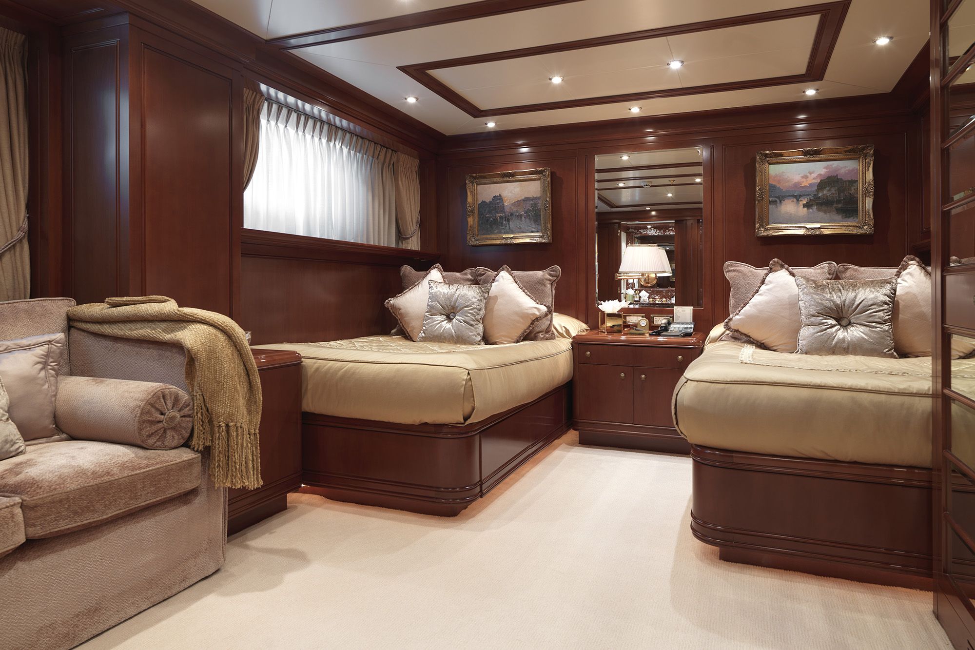 Apogee Yacht for Charter (11)
