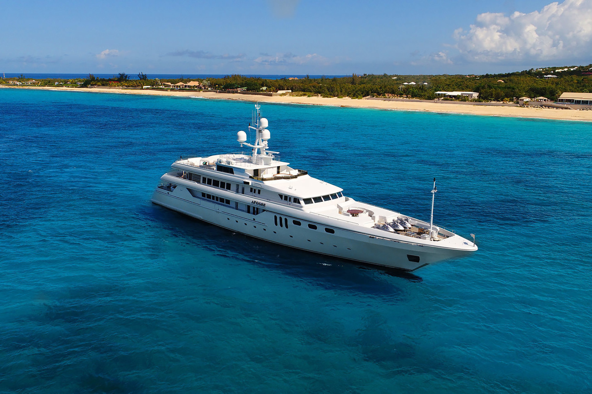 Apogee Yacht for Charter (2)