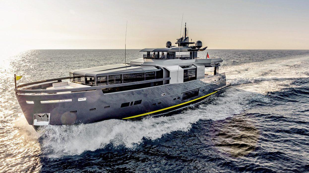Arcadia 105 Yacht for sale
