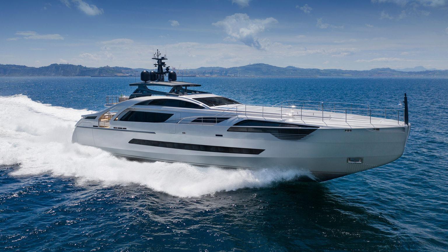 Pershing 140 Yacht