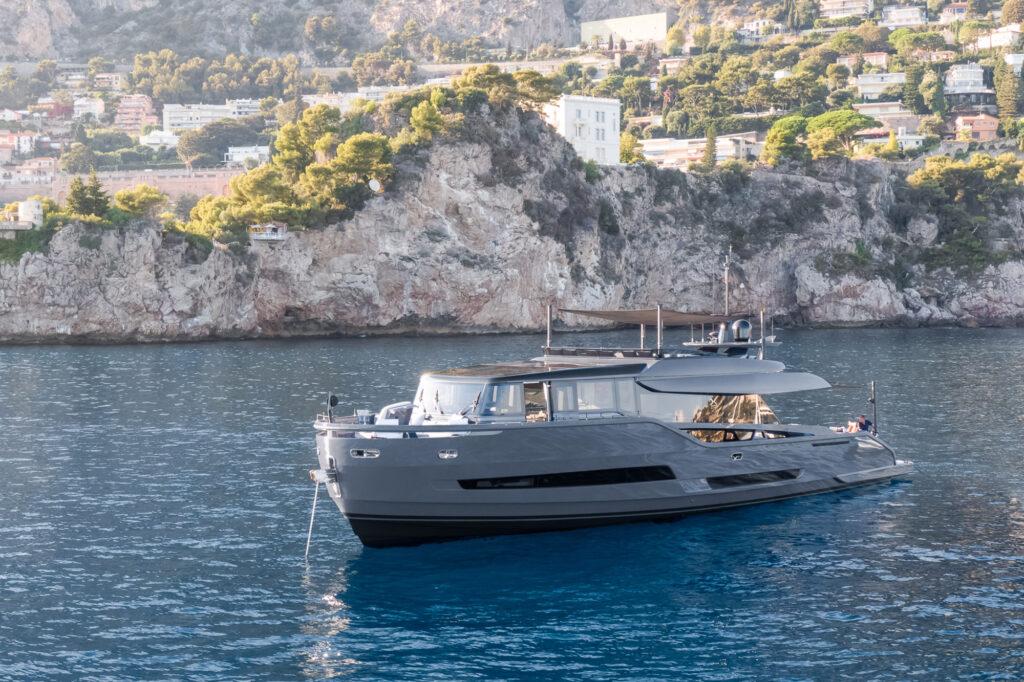 EXTRA 86 yacht